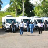 Agricultura entrega flota de vehículos para suplir alimentos a comedores