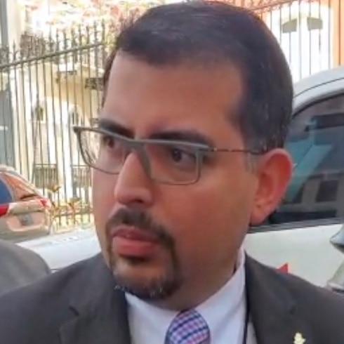 Presidente de la CEE llega a La Fortaleza a hablar de presupuesto