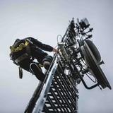 Opositores a redes 5G queman antenas de telefonía en Chipre