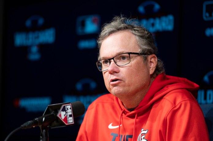 Mike Shildt, quien dirigió a los Cardinals de San Luis desde el 2018, fue removido de su posición el jueves por la gerencia de la organización.