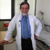 Fernando Cabanillas: el primer médico que enfrentó el COVID-19 en Puerto Rico