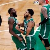 Bombazo de Jason Tatum le da el triunfo a los Celtics sobre los Bucks