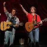 Juanes y Alejandro Sanz ofrecen hoy en vivo un concierto por la web