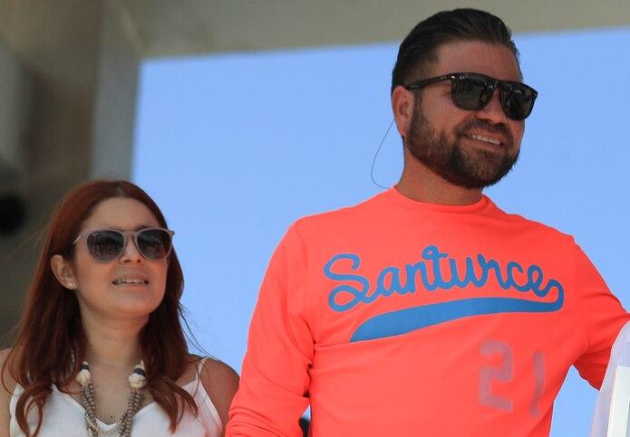 Roxanna Sifre junto a su esposo, el alcalde de Cataño, Félix Delgado