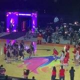 Duelo de baile entre Puerto Rico y Estados Unidos durante el apagón en la final del AmeriCup