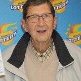 Se pegó en la lotería después de 44 años