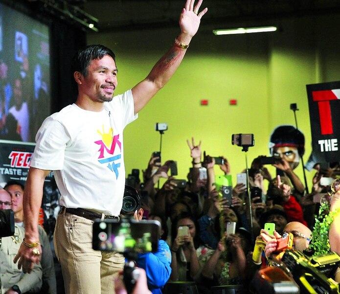 Manny Pacquiao es el centro de atención en todo lugar en donde se presenta.