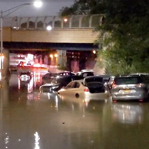 Inundaciones históricas: autos atrapados en Nueva York por remanentes de Ida