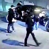 Atropellan a dos policías en medio de intervención en La Placita de Santurce