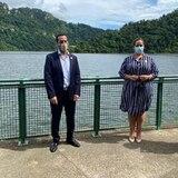 Alcaldes de Utuado y Arecibo buscan restaurar el embarcadero del lago Dos Bocas