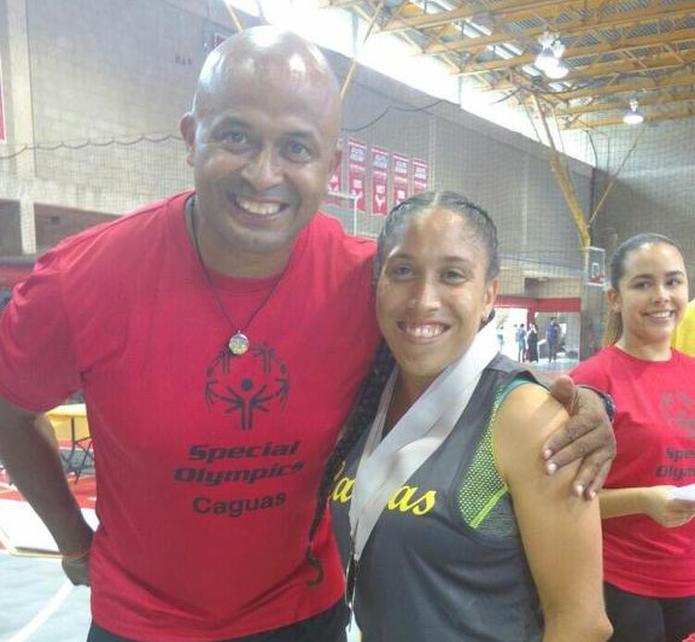 Víctor Bonilla junto a su exestudiante y ahora colega Brenda Sánchez.
