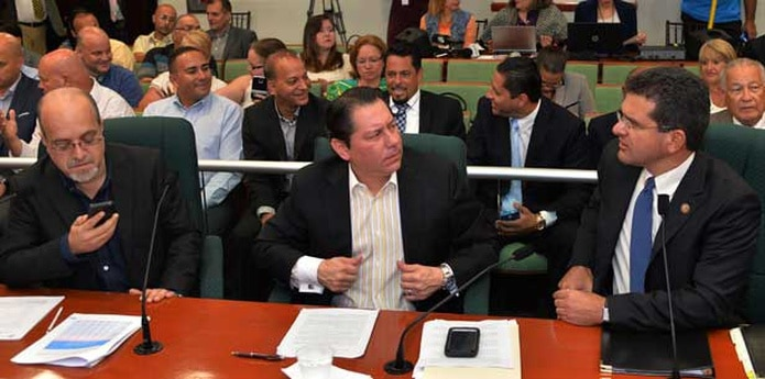 Los tres líderes se unieron en un panel ante la Comisión cameral de Hacienda para advertir sobre los efectos que, a su juicio, tendría la imposición del IVA de 16%. (jose.rodriguez1@gfrmedia.com)