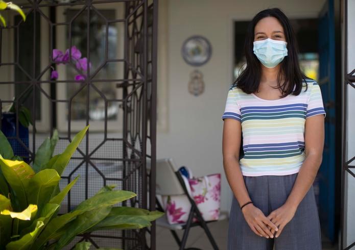 """""""A mi abuela la he podido ver pocas veces, porque... es de las personas más vulnerables"""", Alejandra Ortiz ."""
