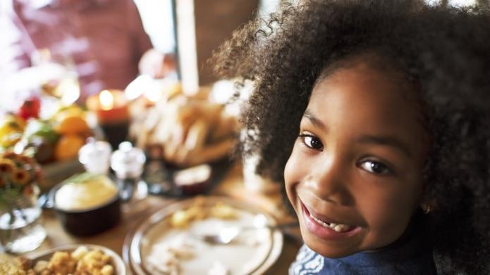 Los niños aprenderán a comer mejor, si la familia pone el ejemplo.