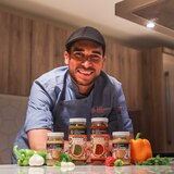 Chef Edgardo Noel lanza línea de productos para añadir sabor en la cocina