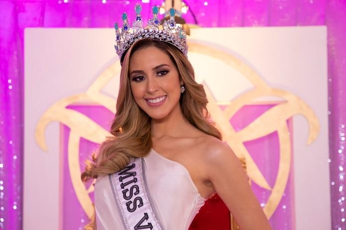 La nueva Miss Venezuela 2020, Mariángel Villasmil, imaginó que su familia la estaba viendo para lograr un buen desempeño en su desfile.