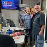 Alfred D. Herger celebra décimo aniversario de su programa radial