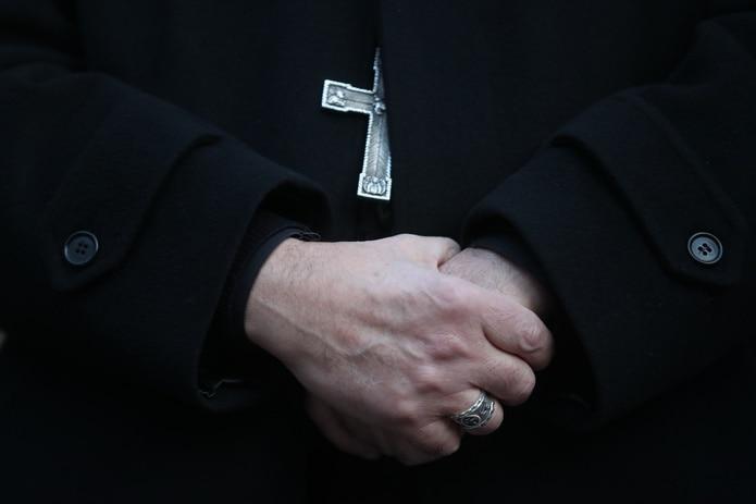 Manos de sacerdote