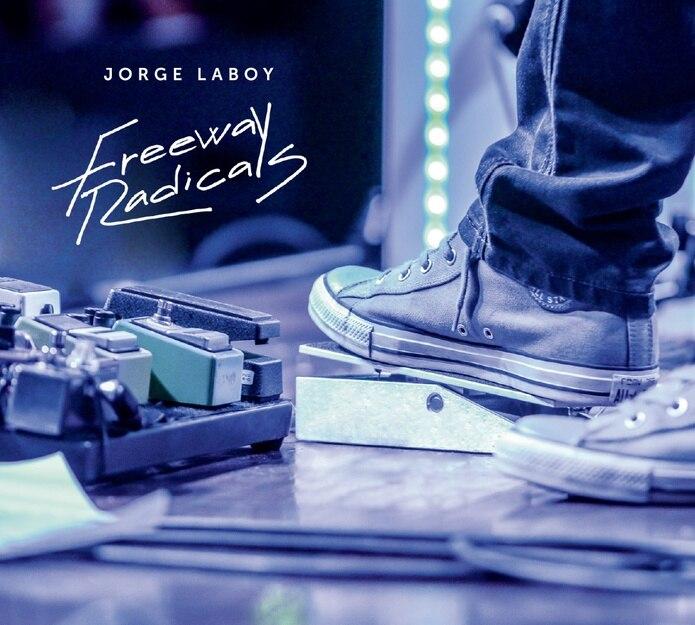 El título del álbum, según descrito, refleja la actitud de abandono a las vertientes musicales comunes de hoy día en el mercado latino.