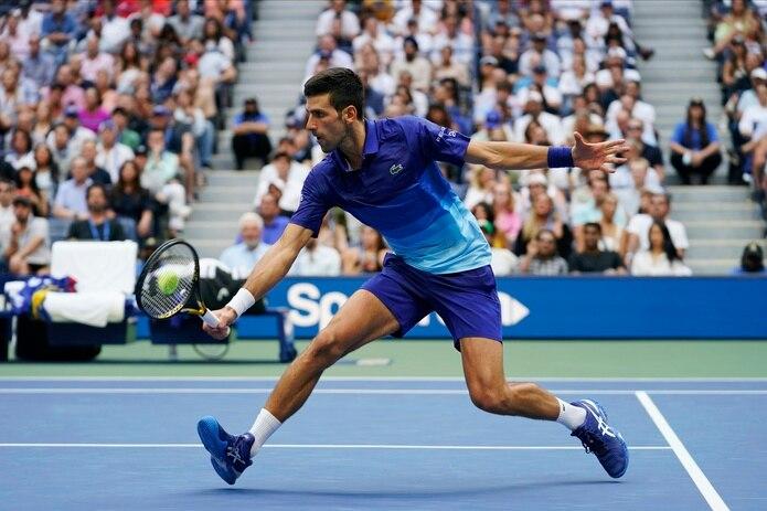 Novak Djokovic no dejará que el revés del domingo lo descarrile de sus metas en el tenis.