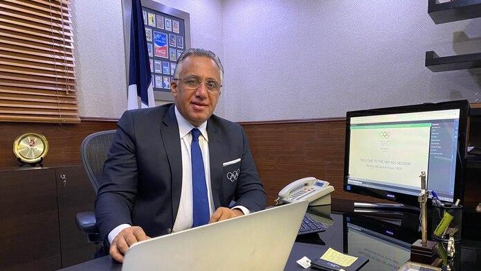 El presidente de Caribe Sports, el dominicano Luis Mejías Oviedo, tuvo la iniciativa de extenderle la mano a los atletas haitianos para que pudiesen viajar hasta Tokio.