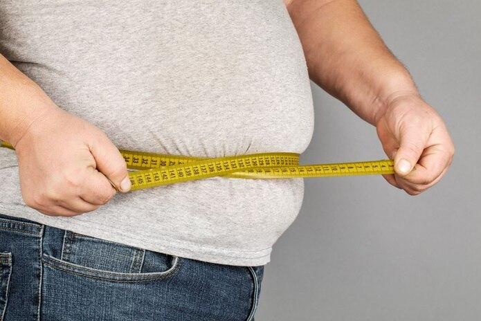 Las personas con obesidad podrían contagiar por más tiempo y tardar más en dar resultado negativo en los tests de PCR. (Shutterstock)