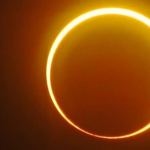 """¿Ya viste el  Inusual eclipse """"anillo de fuego""""?"""