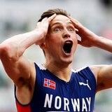 El noruego Karsten Warholm rompió su marca mundial de los 400 metros con vallas