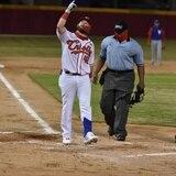 A fuerza de palos y bases por bolas Caguas ganó 21-9