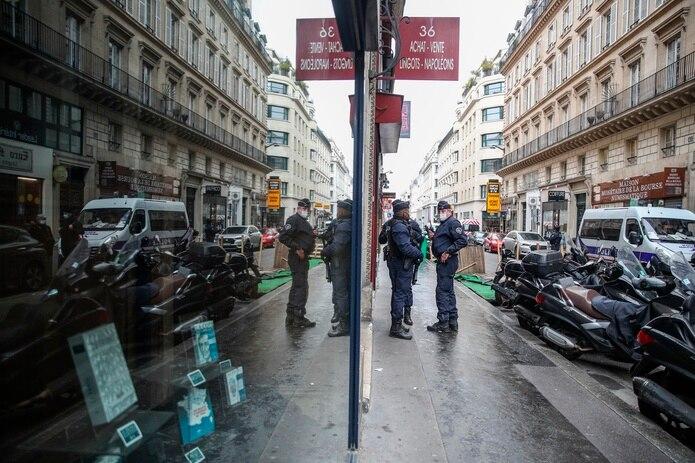 La tercera ola epidémica desde el final del invierno ha llevado al gobierno a endurecer las restricciones desde finales de marzo.