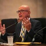 Senadores cuestionan a Larry Seilhamer sobre el futuro de los empleados de la AEE