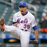 Edwin Díaz está lanzando llamas con los Mets