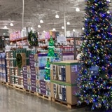 Comprar en línea no resuelve todas las compras navideñas