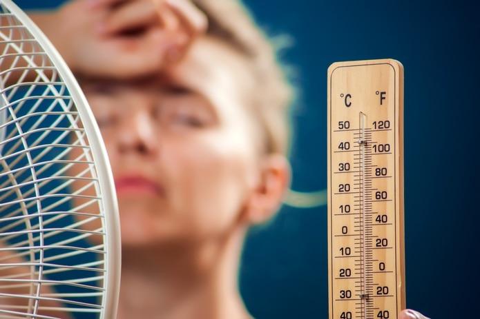 Evitar exponerte a las altas temperaturas, previene posibles complicaciones de salud.
