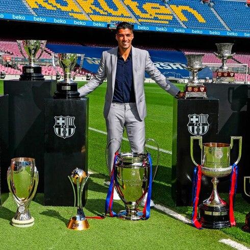 Barcelona le rinde un emotivo tributo a Luis Suárez