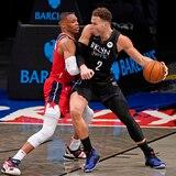 Irving y Harden lideran a los Nets en el debut de Blake Griffin