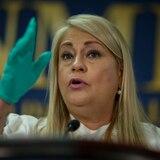 Gobernadora visita centro de pruebas para personal de primera respuesta en Guaynabo