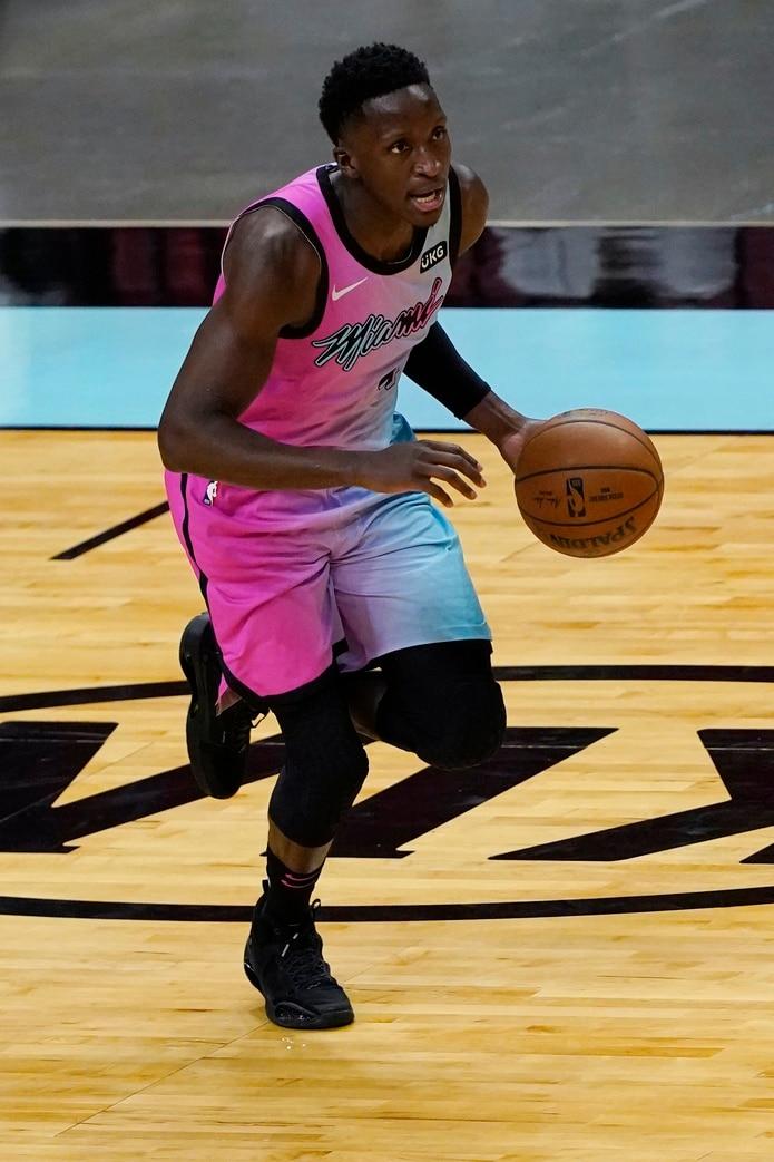 Victor Oladipo en su primera aparición en uniforme del Heat de Miami.
