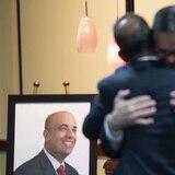 Héctor Ferrer une a los políticos de todos los colores