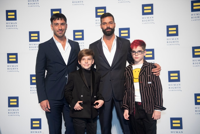 Ricky Martin comparte por primera vez a su familia completa