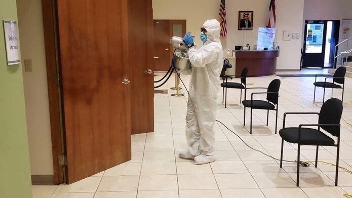 Las oficinas fueron desinfectadas tras reportarse un caso de COVID-19.