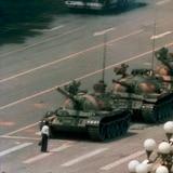 """Error humano bloqueó imagen de """"hombre del tanque"""" en aniversario de la sangrienta represión de 1989"""