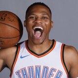 Russell Wesbrook firma extensión de contrato con Thunder