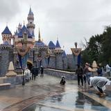 Disney abriría en julio sus parques en California