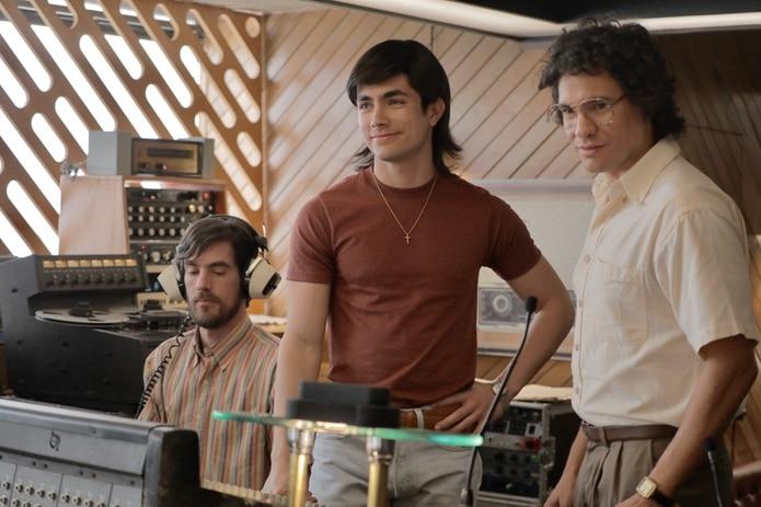 La producción procura presentar 20 años de historia de la agrupación juvenil en 15 episodios.