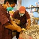 Presos ecuatorianos fabrican féretros para víctimas del COVID-19