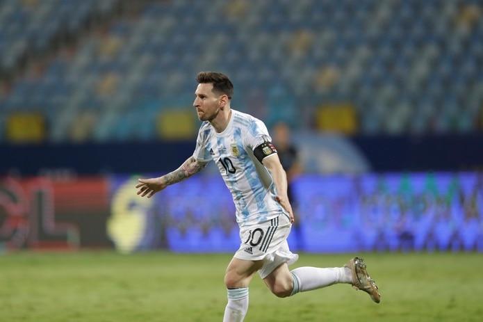 Lionel Messi tras anotar el tercer gol de Argentina en la victoria 3-0 ante Ecuador en los cuartos de final de la Copa América.