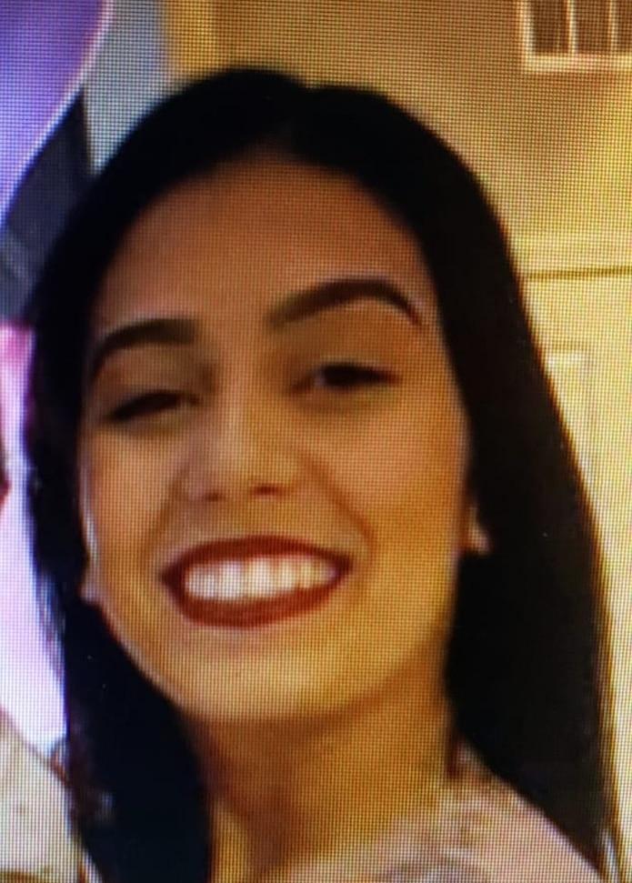 Los investigadores del asesinato de Valeria Pérez Delgado, de 19 años, la joven quien fue ultimada a balazos en un paraje solitario y de poca iluminación en el kilómetro 4.1 de la carretera PR-854, en Toa Baja, el 16 de noviembre, procuraban establecer las razones que motivaran que retrasara su viaje de regreso a Florida donde residía.
