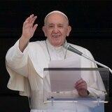 Papa Francisco sufre fiebre tres días después de su cirugía