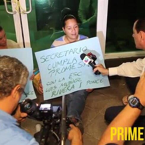 Madres de Ponce se encadenan